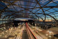 S-Bahnstation Elbbrücken (Elbmaedchen) Tags: bahnhof architektur elbbrücken blauestunde hamburg db gleis langzeitbelichtung glaskuppel unterwegsmitmichaelundchristian