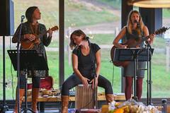 Sweet Louves (guysamsonphoto) Tags: guysamson portrait sweetlouves musique music band ukelele guitar girlsgroup