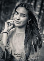 Kimberly (Alex Chaves Fotografia) Tags: blancoynegro bw beatiful retrato retratos retratofotografico photography people portrait personas portraiture