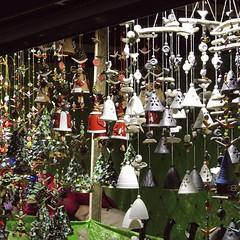 klokjes (Landleven (Irma Lit)) Tags: weihnachtsmarkt essen glöcken klokjes kerstmis kerstmarkt december duitsland outdoor buiten