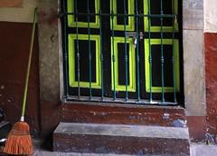 Door, Guanajuato, Mexico (klauslang99) Tags: klauslang door urban entrance streetphotography guanajuato mexico