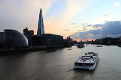 Silver Sturgeon (just.Luc) Tags: water eau wasser aqua agua boat bateau boot rivier rivière river fluss theshard sunset royaumeuni verenigdkoninkrijk unitedkingdom grootbrittanië grandebretagne greatbritain england angleterre engeland londen london londres europa europe
