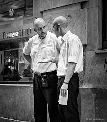 Los chicos de Casa Aranda (Bart van Hofwegen) Tags: waiter waiters staff men people restaurant cafe discussion talk talking street streetphotography city citystreet citylife urban urbanphotography urbanlife monochrome blackandwhite casaaranda málaga malaga
