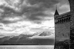 Le Lac (sdupimages) Tags: noirblanc noiretblanc blackwhite paysage landscape lac lake castle chateau bw nb monochrome montagne mountain skyscape cloudscape nuages ciel composition