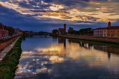 Un'ora serena - A peaceful hour (Eugenio GV Costa) Tags: lungarno pisa fiume arno toscana acqua water river streets outside cittadella