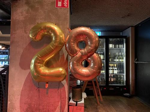 Folieballon Cijfer 28 Cafe in the City Rotterdam