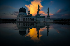 The Floating Mosque In Kota Kinabalu, Borneo (El-Branden Brazil) Tags: holy religion muslim twilight sunset mosque islam floatingmosque kotakinabalu malaysia borneo