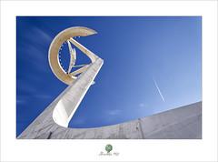 Torre de Comunicaciones de Montjuïc ll (alcachofa1960) Tags: arquitectura mañana catalunya montjuïc torredecomunicacionesdemontjuïc santiagocalatrava avion torre barcelona
