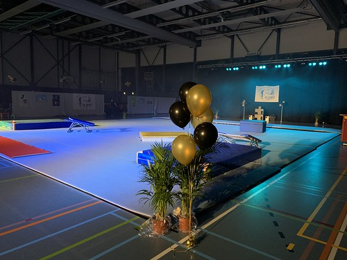 Tafeldecoratie 5ballonnen Sportcentrum de Viergang Pijnacker