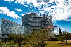 Europa-Parlament, Strassburg (Ralph_H) Tags: strassburg parlament europaparlament wolken blauerhimmel bluesky france frankreich europa ausflug ngc