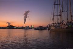 De laatste adem boven het IJ (Tim Boric) Tags: amsterdam ij centrale hemweg wolk kolencentrale coal power plant cloud river pont ferry greenpeace rainbowwarrior schemering dusk