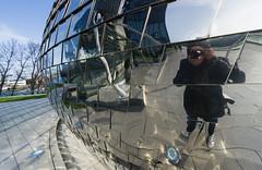 Reflection shooter (frankdorgathen) Tags: alpha6000 sony1018mm spiegelung reflection selfie city urban düsseldorf mediaharbour medienhafen hotel hyattregency