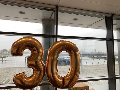 Folieballon Cijfer 30 Broekman Logistics Waalhaven Rotterdam