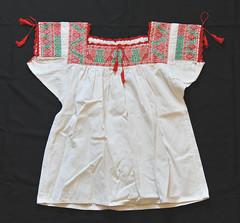 Xochitlan Nahua Blouse Puebla Mexico (Teyacapan) Tags: xochitlan puebla blusa blouses mexican embroidery nahua ropa clothing