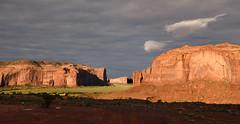 USA - Arizona - Monument Valley at sunrise (AlCapitol) Tags: usa us etatsunis nikon d850 arizona sunrise leverdesoleil kayenta monumentvalley
