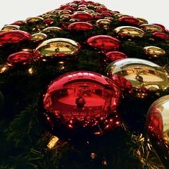 Baubles and I / Che Palle (Giorgio Ghezzi) Tags: bauble christmas natale tree albero smileonsaturday baubles palle