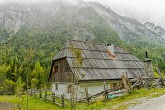 the old farmhouse (a7m2) Tags: trenta vršičpass slovenia bovec kranjskagora berge natur triglavnationalpark oldfarmhouse travel tourismus wandern bergsteigen kanin