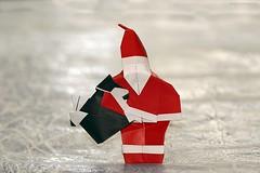 Babbo Natale con e coniglietto di peluche nel sacco / Santa Claus with a plush toy bunny in the sack (Francesco Miglionico) (De Rode Olifant) Tags: francescomiglionico santaclauswithaplushtoybunnyinthesack origamisantaclauswithaplushtoybunnyinthesack babbonataleconeconigliettodipeluchenelsacco origamibabbonataleconeconigliettodipeluchenelsacco origami paper papiroflexia marjansmeijsters origamisanta santaclaus origamisantaclaus xmas christmas 3d diagrams buonorigami