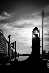LEUCHT-TURM, KÖLN-DEUTZ (B. Hanner-Schmitz / W. Schmitz) Tags: bnw monochrome schwarzweis noiretblanc rhein rhine architecture industriekultur köln cologne deutz