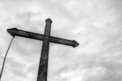 Cross on Monte Evangelo - Scandiano (Reggio Emilia) -  May 2019 (cava961) Tags: monteevangelo scandiano monochrome monocromo bianconero analogico analogue bw canon