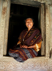 Welcome (nick taz) Tags: welcome indigenous village traditional flores woman happyplanet asiafavorites