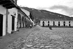 Colonial (Campanero Rumbero) Tags: villadeleyva colombia day dia travel turismo trip monocromo monochrome monocromatico pueblo boyaca montañas montaña arquitectura arquitectonico colonial
