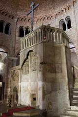 IMGP5805 (hlavaty85) Tags: boloňa bologna basilica santo stefano kostel church bazilika svatý štěpán boží hrob sepulcher