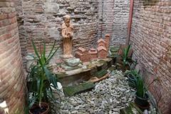 IMGP5809 (hlavaty85) Tags: boloňa bologna basilica santo stefano kostel church bazilika svatý štěpán