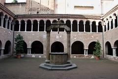 IMGP5815 (hlavaty85) Tags: boloňa bologna basilica santo stefano kostel church bazilika svatý štěpán konvent convent
