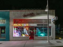 (el zopilote) Tags: street signs newmexico architecture night lumix neon cityscape albuquerque us66 g9 leicavarioelmarit1260mmf284asph 500 600