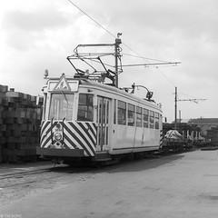 Schijn bedriegt (Tim Boric) Tags: anderlues depot tram tramway streetcar strassenbahn buurtspoorwegen vicinal vicinaux nmvb sncv types werkwagen workscar 9054