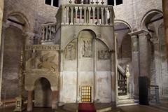IMGP5803 (hlavaty85) Tags: boloňa bologna basilica santo stefano kostel church bazilika svatý štěpán boží hrob sepulcher