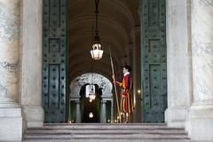 Basilica di San Pietro - Guardia svizzera (Darea62) Tags: people man swissguard vatican uniform soldiers architecture colors lamps rome