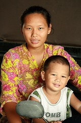 mother and son on a motorcycle (the foreign photographer - ฝรั่งถ่) Tags: mother son child khlong thanon portraits bangkhen bangkok thailand canon