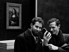 002092 (la_imagen) Tags: sw bw blackandwhite siyahbeyaz monochrome france frankreich paris parisds2019 louvre museum monalisa lovemonalisa smartphone mobilephone excapture