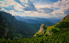 Road to Giewont (Siuloon) Tags: tatry tatra giewont góry mountain montains zakopane polska poland pologne polonia trasa travel szczyt szlak view widok skała skały las zielony green forest sky coulds
