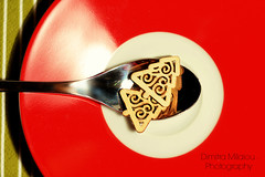 Give me love (dimitra_milaiou) Tags: xmas merry christmas love tree red plate minimal greece athens happy eat dinner green photography wish wishes white reflections happiness nikon d dimitra milaiou χριστούγεννα χριστουγεννα ελλάδα ελλαδα αθήνα αθηνα κόκκινο κοκκινο δέντρο χριστουγεννιάτικο χρισουγεννιατικο 7100 d7100