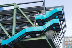 Colorful stairs (frankdorgathen) Tags: alpha6000 sony18200mm city urban detail düsseldorf mediaharbour medienhafen architecture architektur treppe stairs farbenfroh colorful