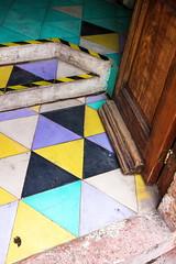 Entrance, Queretaro (klauslang99) Tags: klauslang streetphotography urban entrance queretaro mexico colourful