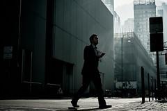 上 班 (Wilson Au   一期一会) Tags: hongkong backlight street streetphotography fujifilm xt3 fujinon xf35mmf14r central 香港 中環 man suit walking