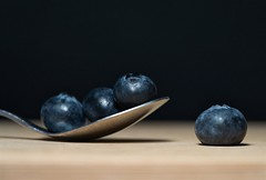 365 - Image 356 - Blueberries... (Gary Neville) Tags: 365 365images 6th365 photoaday 2019 sony sonya7iii a7m3 garyneville