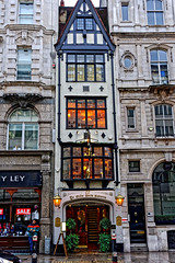 Thin Pub (Croydon Clicker) Tags: pub inn hostelry ginpalace thin narrow building architecture historic tavern fleetstreet cityoflondon london nikond700 nikkoraf28105mmd