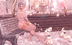 Queen (RoxxyPink) Tags: roxxypink roxxy pink fashionuschies fashion uschies fashionblog blog blogger blogging blogspot secondlifeblog secondlifeblogger secondlife second life sl 2ndlife virtuallife virtualworld world virtual avatar ava avi style styling mesh meshhead head catwa meshhair hair besom meshbody body maitreya meshclothes clothes clothing blueberry pose poses poser posing bento event fair sexy cute diversion blond blonde new shop shopping shape shapes plasticdolls doll dolls plastic