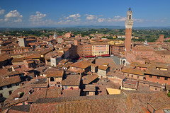 View over central Siena (Thomas Roland) Tags: unesco world heritage site piazza del campo view udsigt landscape landskab landschaft europe europa italy italia italien sommer summer nikon d7000 travel rejse toscana tuscany by stadt town city siena