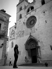 iPhone photo 55 - Altamura (Jacopo Pandolfini) Tags: italy italia bw blackandwhite church cathedral south bn puglia biancoenero sud cattedrale iphone altamura apulia southitaly italiadelsud iphone7