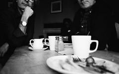Lunch (Jim Davies) Tags: england britain canon fuji neopan 400 400asa blackandwhite 35mm film filmfilmforever analogue veebotique compactcamera believeinfilm winter filmisnotdead filmisalive uk 35mmfilm konica bigmini chromogenic analog expired blackandwhitefilm monochrome c41 bw photography 2019 oxon oxfordshire oxford