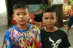boys (the foreign photographer - ฝรั่งถ่) Tags: two boys children khlong thanon portraits bangkhen bangkok thailand canon