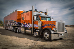 Peterbilt Car Hauler (Brad Prudhon) Tags: 2019 october peterbuilt truck tractor semi tractortrailer carhauler