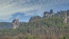 Wie kommt der Weihnachtsbaum auf den Talwächter? (Harald Thiele) Tags: rathen talwächter sächsischeschweiz saxonswitzerland sachsen elbsandsteingebirge rocks climbing
