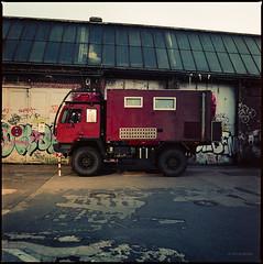 Steyr 12M18 (Konrad Winkler) Tags: berlin oldtimer lkw rot kodakportra400 mittelformat 6x6 hasselblad503cx epsonv800 halle abend arena expired
